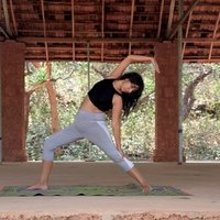 Clases de Yoga a Domicilio con Instructora certificada en India 200 hrs. Yoga Alliance Internacional